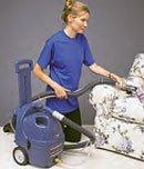Моющий пылесос для чистки и удалени пятен с ковров и обивки BRAVO