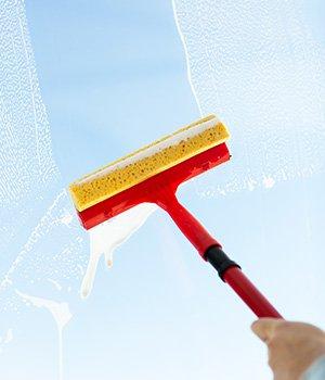 Как правильно мыть пластиковые окна
